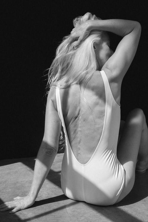 Foto: Yazemeenah Rossi, Nenek 60 Tahun Jadi Model Baju Renang