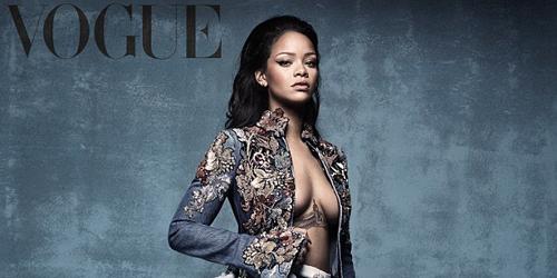 Foto Rihanna Ekspos Payudara Seksi di Majalah Vogue