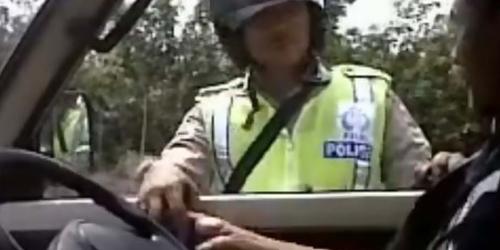 Polisi Apa Preman? Tanpa Basa-basi Langsung Minta Uang