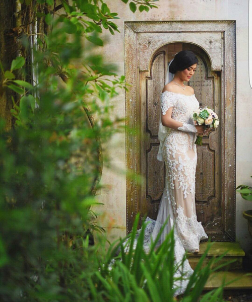 Foto Pernikahan Romantis Raya Kohandi di Bali