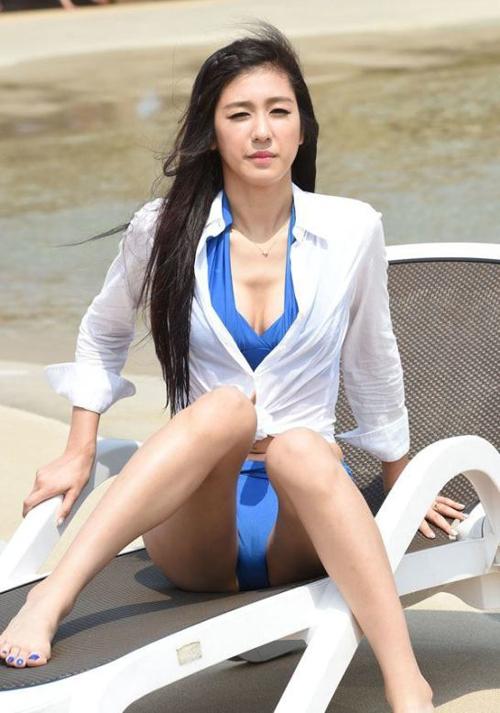 Foto: Kim Yeon Jeong, Cheerleader Korea Super Cantik