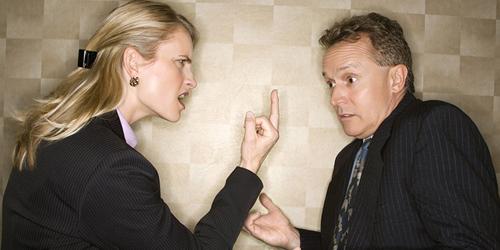 5 Alasan Cewek Bossy Tak Disukai Pria