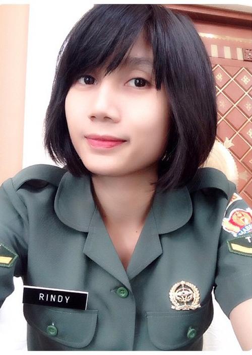 Foto Rindy Puspa Ningrum, Si Cantik Jago Voli dari TNI AD