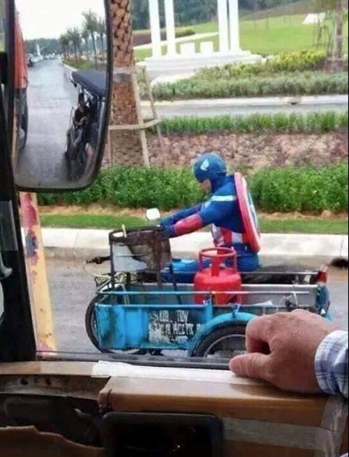 Captain America antar elpiji @twitter.com/ERA_fm