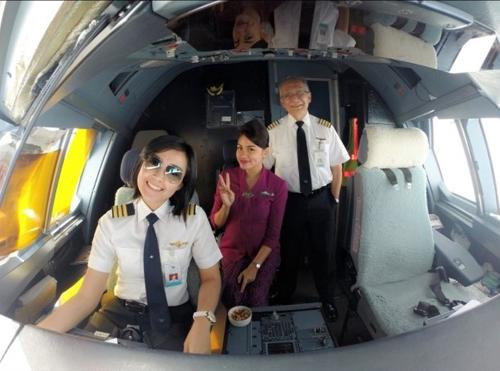 Foto: Sarah Widyanti Kusuma, Pilot Cantik Jebolan Indonesian Idol