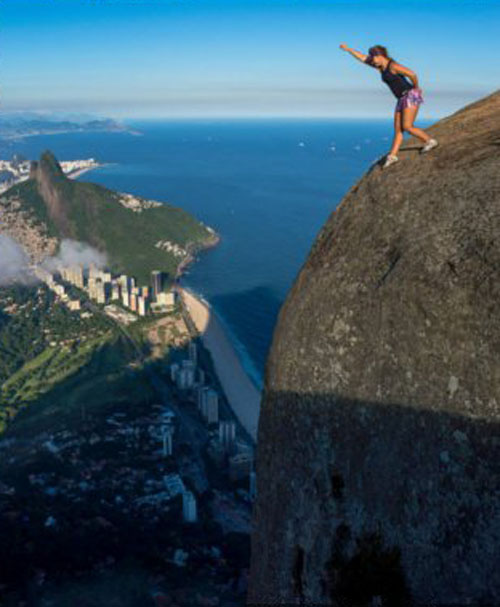 Kumpulan Foto Selfie di Tebing Paling Berbahaya di Dunia