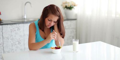 Alasan Orang Malas Makan Saat Patah Hati