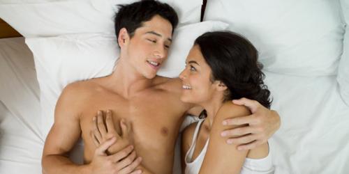 Alasan Pria Suka Seks Pagi Sementara Wanita Malam Hari