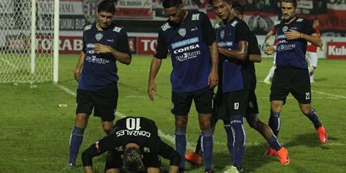 Bungkam Persib 2-0, Arema Juara Piala Bhayangkara 2016