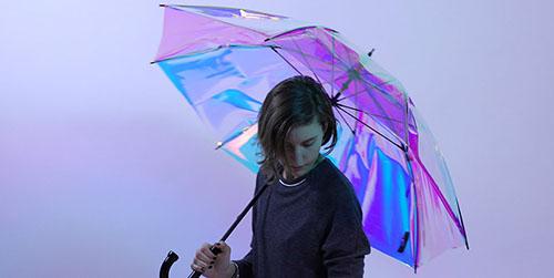 Canggih, Payung Ini Tahu Kapan Akan Hujan