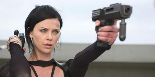 Charlize Theron Jadi Penjahat di Film Fast 8