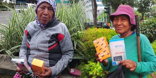 Curhat Ibu Tuti, Ponsel Pemberian Ahok Hilang Dicuri