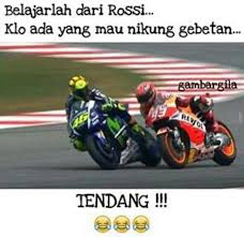Belajar dari Rossi kalau ada yang mau nikung gebetan tendang