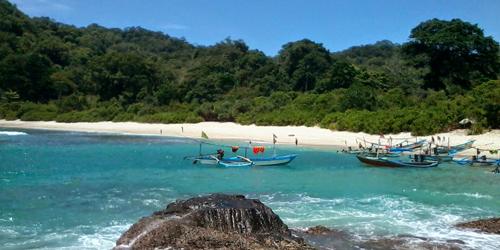 7 Pantai di Jawa Timur ini Cocok Jadi Destinasi Unggulan: Pantai Wedi Ireng Banyuwangi