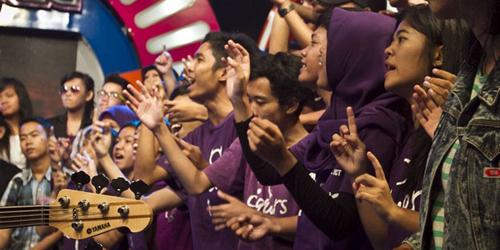 Kerjaan Penonton Alay, Cuma Joget-Joget Gaji Rp 6-8 Juta!