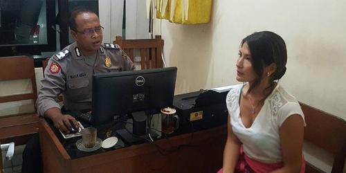 Kronologi Tamara Bleszynski Dijambak di Bali