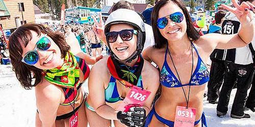 Pecahkan Rekor Ski, 1.000 Wanita Berbikini Meluncur di Rusia