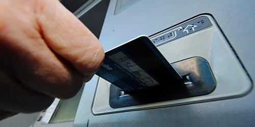 Kartu ATM Tertelan, Tabungan Umrah Rp 16 Juta Penjual Kopi Hilang