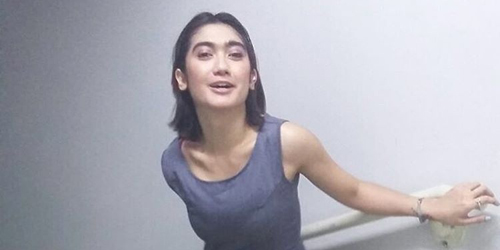Revi Mariska Mirip Orang Linglung Saat Ditanya Soal Foto Hot