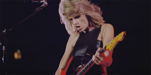 Taylor Swift Ungkap Momen Indah Konser di Video Klip New Romantics
