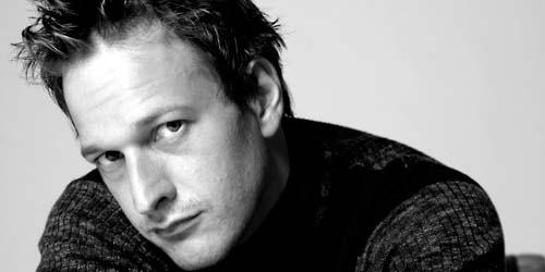 12 Aktor Terseksi 2011 (2)