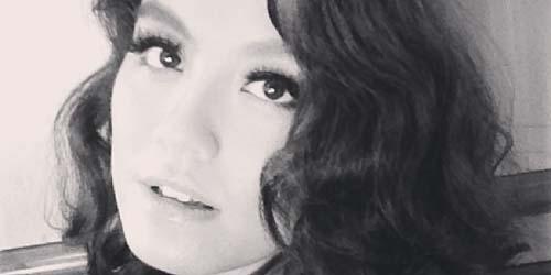 Agnes Monica Posting Perut Ramping di Instagram