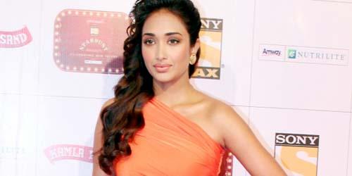 Alasan Aktris Cantik Bollywood Jiah Khan Bunuh Diri