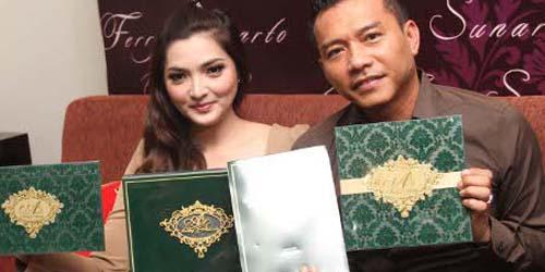 Ashanty & Anang Pilih Undangan dengan Desain Al-Quran