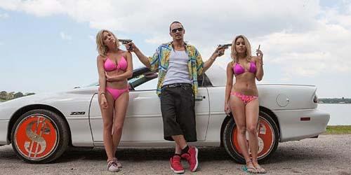 Ashley Benson 'Threesome' dengan Vanessa Hudgens dan James Franco di Spring Breakers