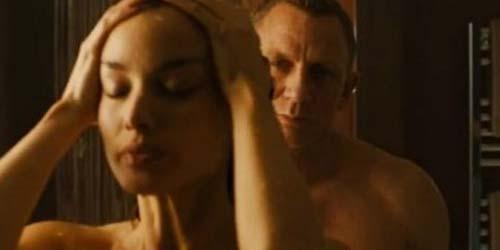 Berapa Wanita yang Pernah Bercinta dengan James Bond ?