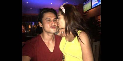 Beredar Foto Mesra Indra L Brugman & Cinta Penelope! (Ciuman)