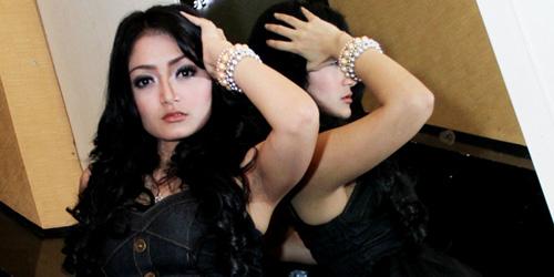 Image Result For Foto Bugil Siti Badriah Artis Inisial Sb