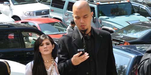 Image Foto Ahmad Dhani Dan Mulan Di Resepsi Anang Jameela Istri Baru ...