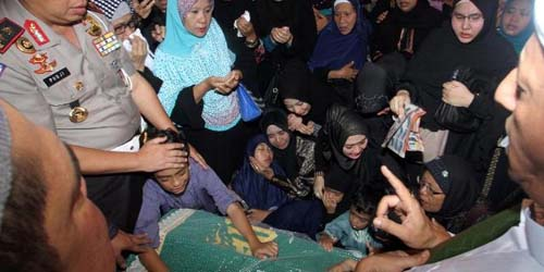 Muncul Awan Berbentuk Orang Berdoa Saat Pemakaman Ustadz Jeffry Al Buchori