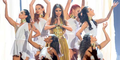 Selena Gomez Tampil Super Seksi Ala India di Billboard Awards 2013