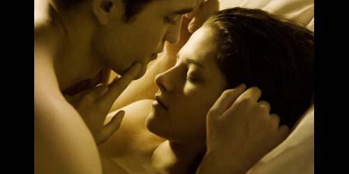 Terlalu Hot, Adegan Seks Twilight Dihapus