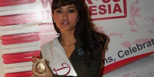 Tolak Seks Bebas, Julia Perez Gencar Promosikan Kondom!