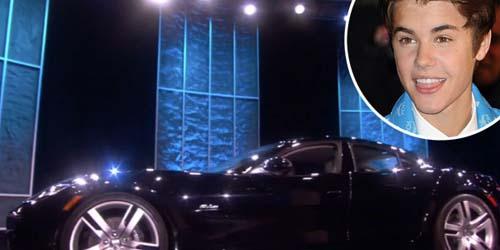 Ultah ke 18, Justin Bieber Dapat Kado Mobil Sport $ 100Ribu