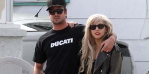 2013 Lady GaGa & Taylor Kinney Menikah ?