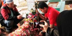Banyak Orang Manfaatkan Makam Uje untuk 'Pesugihan'