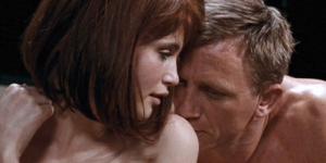 Berapa Wanita yang Pernah Bercinta dengan James Bond ? part 3
