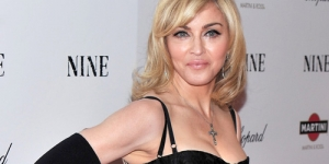 Beredar Foto Madonna Dalam Keadaan Kurus, Keriput, Kendor