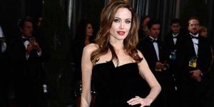 Berpose Pamer Paha di Oscar, Angelina Jolie Jadi Guyonan