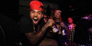 Chris Brown Mencuri iPhone Penggemar