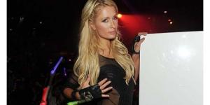 Dugem di Vegas, Paris Hilton Seksi Dengan Baju Transparan