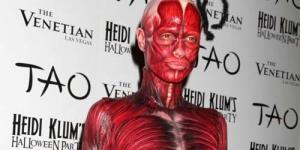 Halloween, Heidi Klum jadi Mayat tanpa Kulit
