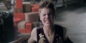 Justin Bieber Rilis Video Klip Santa Claus Is Coming To Town versi Arthur Christmas
