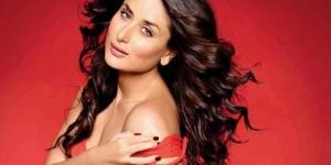 Kareena Kapoor Pamer Belahan Payudara di Vogue