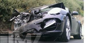 Kecelakaan Mobil Hingga Ringsek, Lindsay Lohan Masuk Rumah Sakit