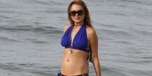Kenakan Bikini, Lindsay Lohan Pamer Paha Lebam di Rio De Janeiro